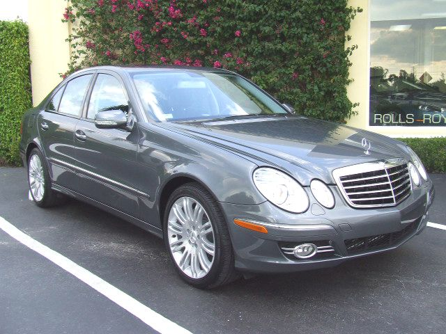 The best car gallery picture mercedes benz e550 2008 for 2009 mercedes benz e550