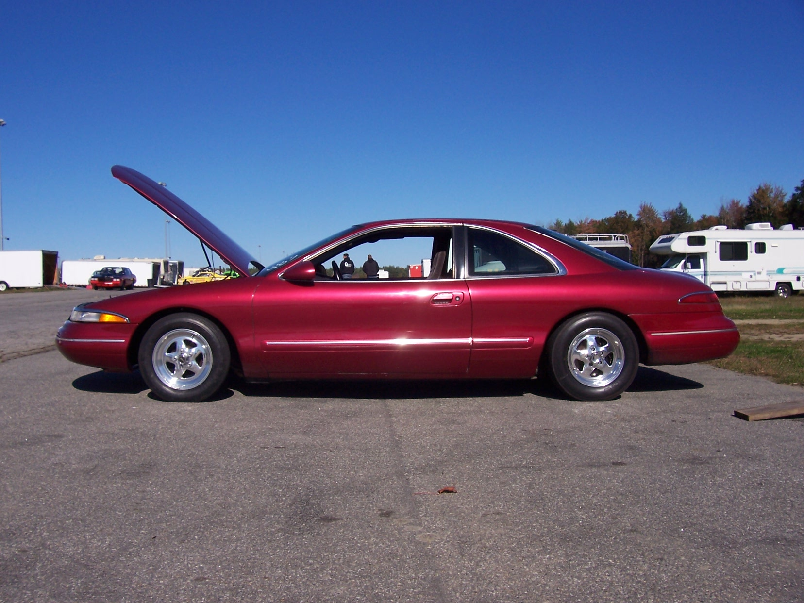 RED 1993 Lincoln Mark VIII