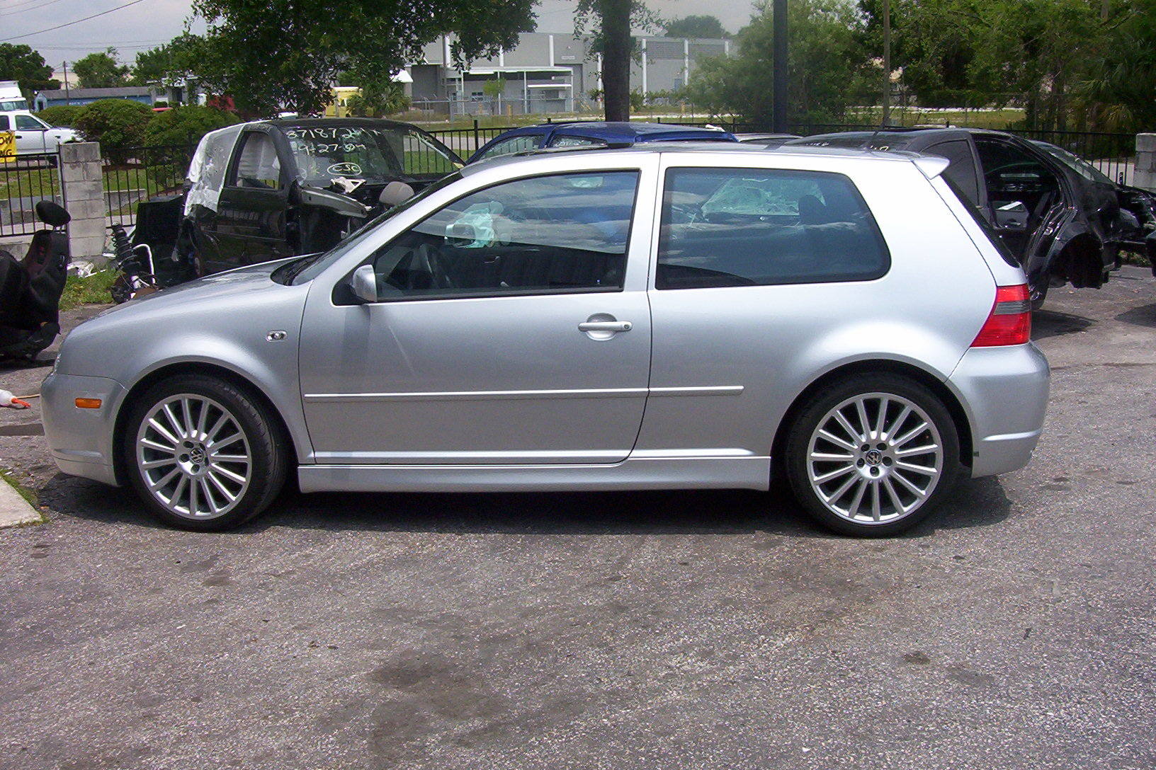 2004 Volkswagen Golf R32