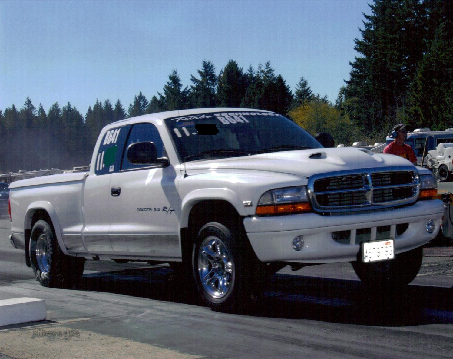 White 2000 Dodge Dakota R/T
