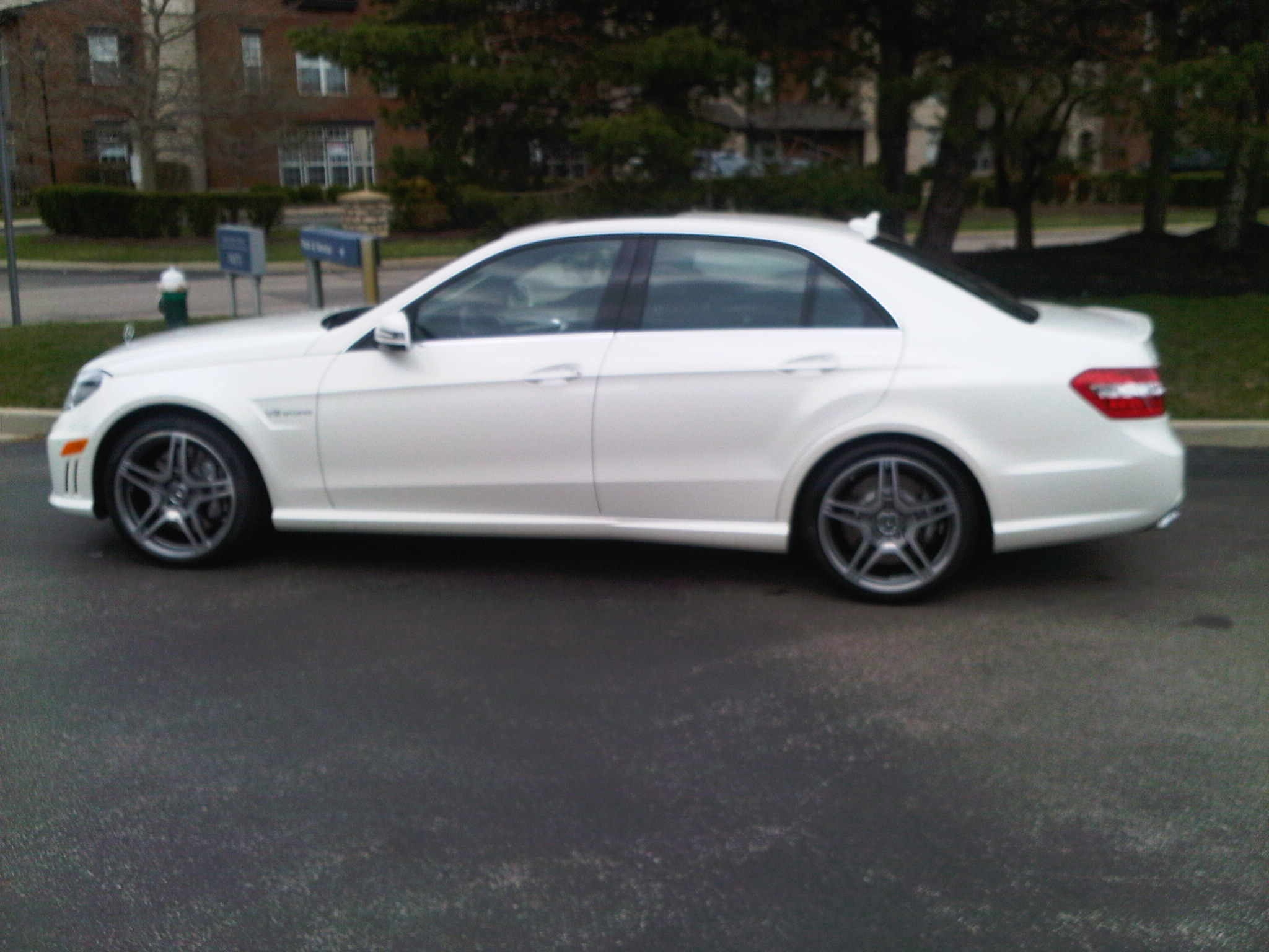 Diamond White 2012 Mercedes-Benz E63 AMG BiTurbo MHP S2