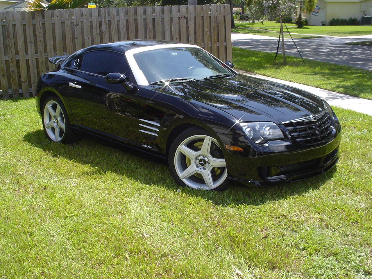 black 2005 Chrysler Crossfire srt6-