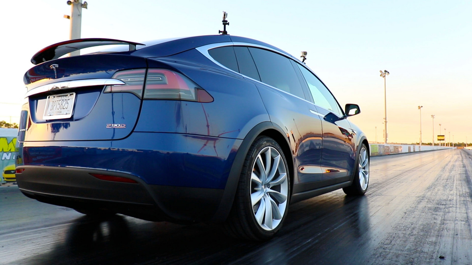 Deep Metallic Blue 2016 Tesla Model X P90D Ludicrous