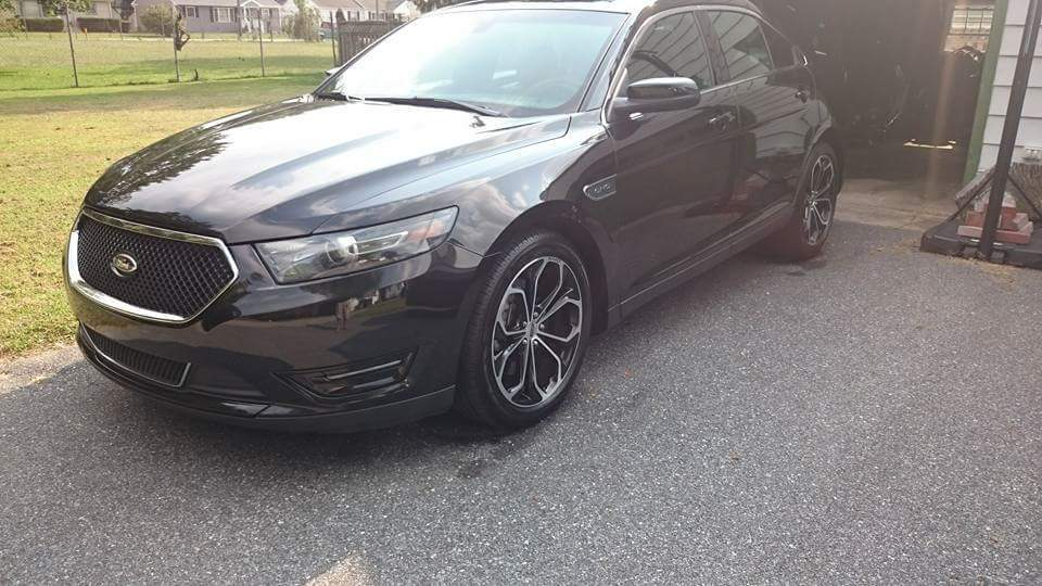 Black 2015 Ford Taurus SHO
