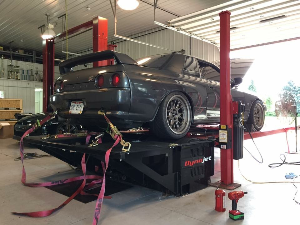 1990 Grey Nissan Skyline GT-R picture, mods, upgrades