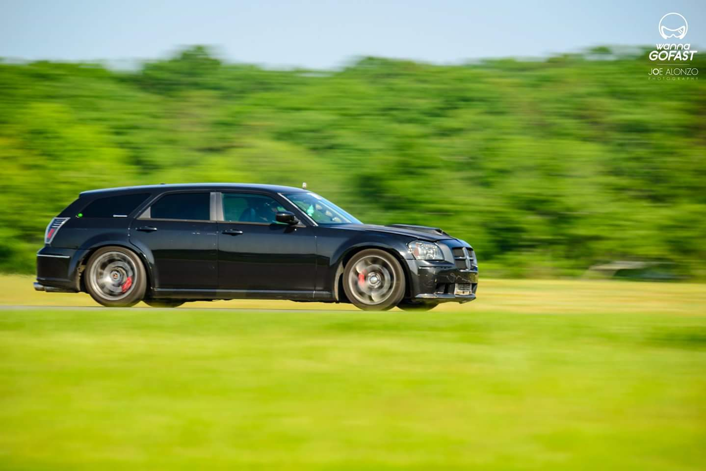 Black 2007 Dodge Magnum SRT8