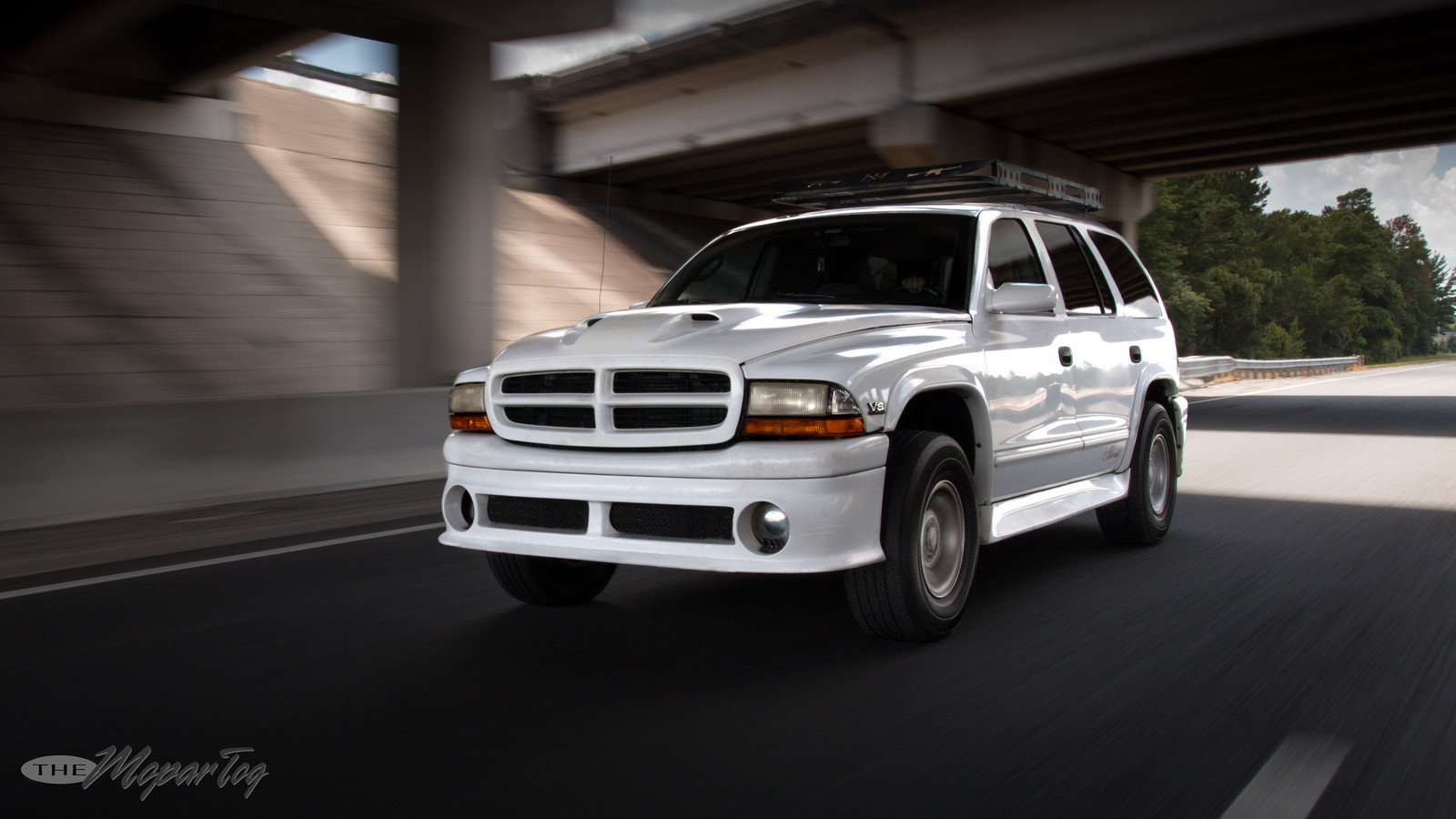White 1998 Dodge Durango Super Pursuit