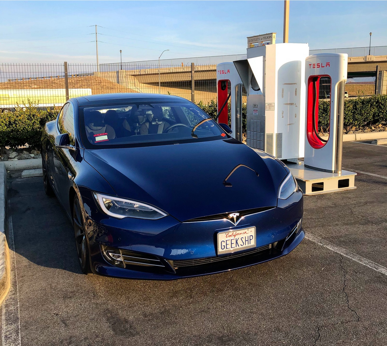 Deep Metallic Blue 2017 Tesla Model S 75D Uncorked