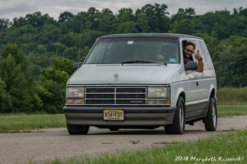 White/Grey/rust 1989 Dodge Caravan ES