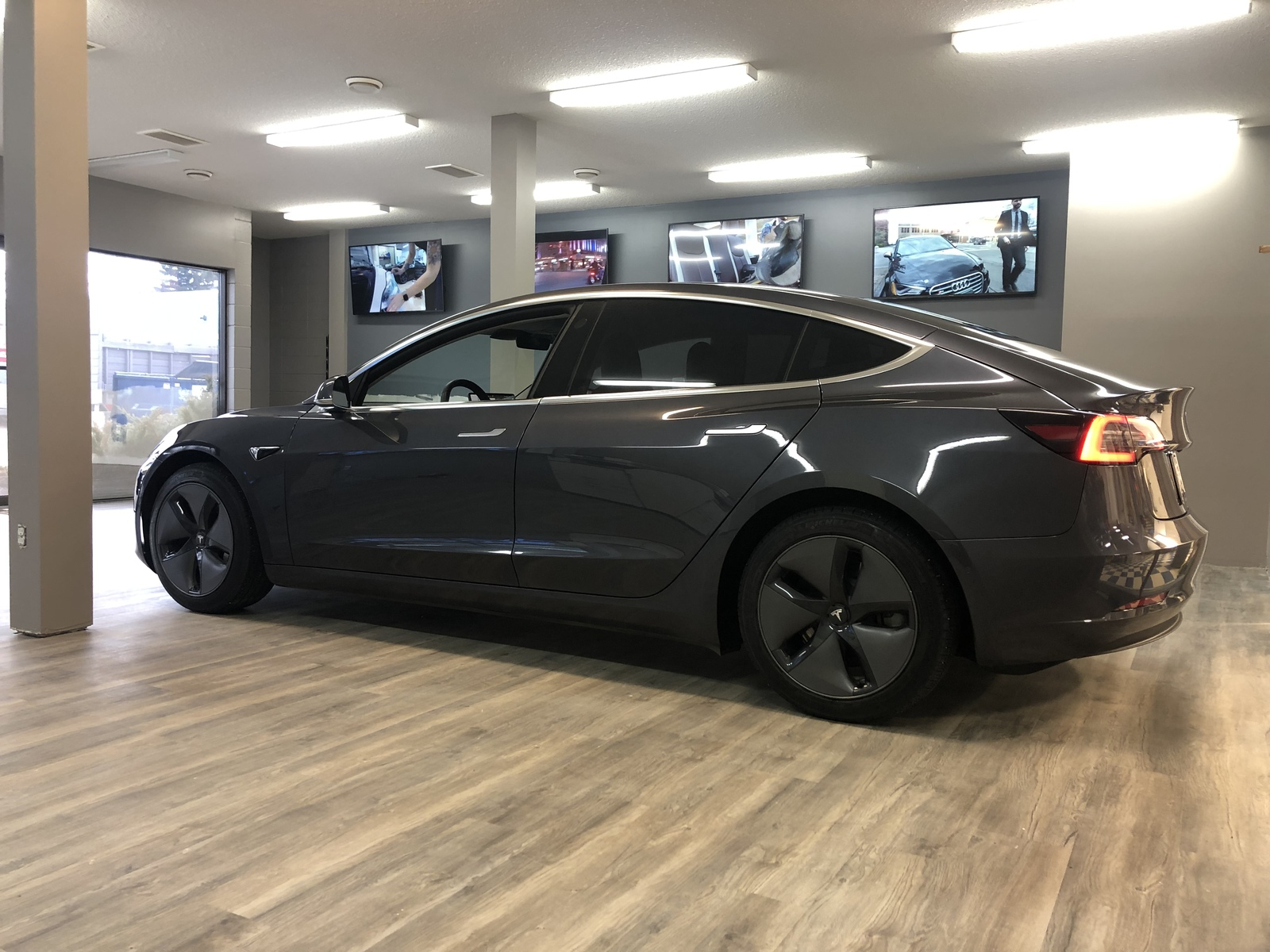 Midnight Silver Metallic  2018 Tesla Model 3 Long Range Dual Motor