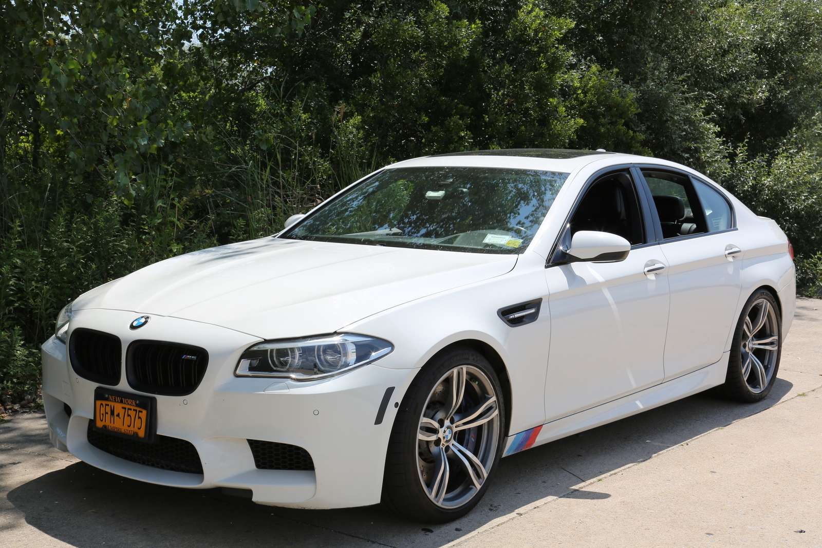 Alpine White 2014 BMW M5 Competition Package