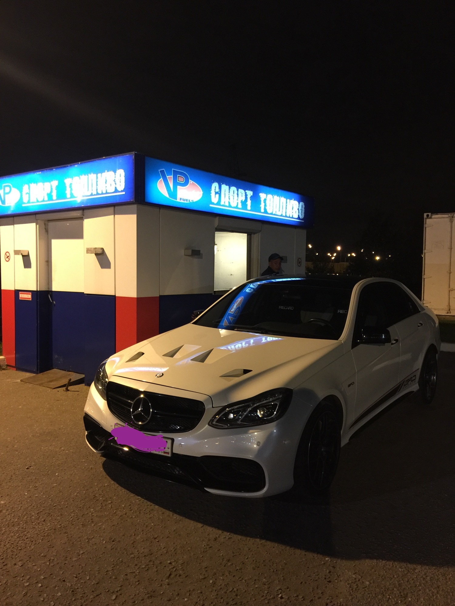 Diamond wight 2013 Mercedes-Benz E63 AMG S 4matik